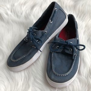 Sperry Boys blue boat shoes Size 5